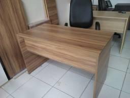 Mesa para escritório em MDF Nogal