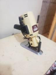 Maquina de corte de tecido