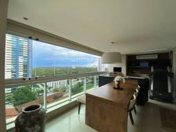 Apartamento no Edifício Sofisticato com 3 dormitórios à venda, 190 m² por R$ 1.750.000 - Q