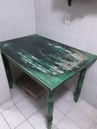 Vende-se mesa usada 118cmx80cm preco negociável