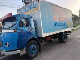 Caminhão LP 321