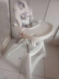 Cadeira de alimentação para bebê - Semi-nova