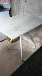 Mesa de granito branco