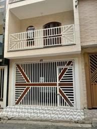 Casa bem localizada na Marambaia