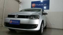 Volkswagen Fox Prime Imotion 1.6 Total Flex 8V Completo + Teto Prata 2011/2012