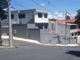 Casa geminada 3-quartos 2-banhos 2- vagas / Bairro Nova Vista / Sabará /MG