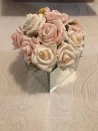 Vaso espelhado quadrado com flores