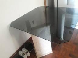 Vendo mesa de vidro com base de mármore