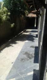 Imóvel com três quartos e garagem em Itaboraí