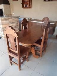 Mesa de madeira cerejeira com 4 cadeiras