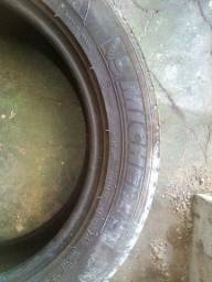 Vendo Pneu 215 55 17 Michelin