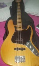 Baixo squier by fender made in Indonésia