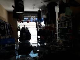 Vende-se ou torna-se loja de vestimentas funcionando.