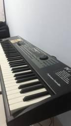 Piano elétrico Kurzwell pc2 semi novo