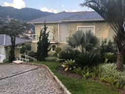 Vende-se casa maravilhosa na Mosela - Petrópolis