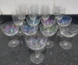 17 taças de Cristal Antigas Coloridas