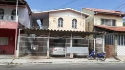Casa com 3 quartos no São Jorge com garagem