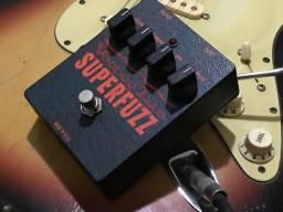 Voodoo Lab Super Fuzz USA True Bypass fuzz pedal