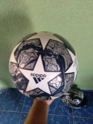 Bola Adidas champions league  Nova