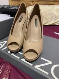 Sapato peep toe Arezzo número 33 usado 1x