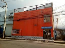 Kitnet c/ 2 quartos no Bequimão