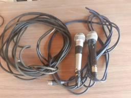 Microfones e cabos
