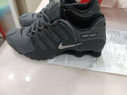 Tênis Nike Shox Nz masculino.