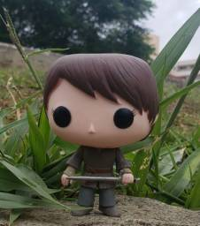 Boneca funko pop arya Stark Game of thrones