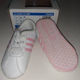 Tênis Adidas Tam 17