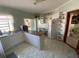 Apartamento com ótima localização e condomínio baixíssimo!