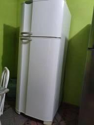 Geladeira Electrolux 462L