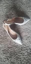 Sapato branco R$ 100,00