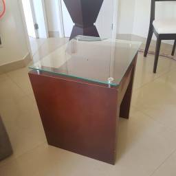 Mesa lateral de canto