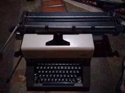 Máquina de escrever - Magnum 4 Contabilidade