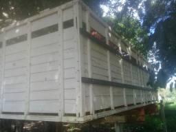 Vendo Sobre Grade Caminhão  Boiadeiro