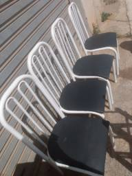 4 cadeiras vendo ela só ou com mesa 80x80