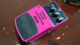 Pedal guitarra Beringer Ultra Distortion UD100