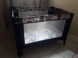 Berço portátil semi-novo com colchão