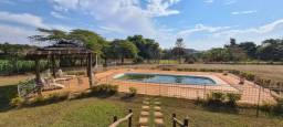 Título do anúncio: Chácara de 33.000 m², com 2 casas e mobília, próximo ao Sesi, em Á. Machado- SP