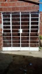 Vendo porta semi nova 300 reais