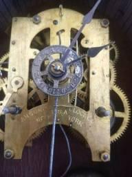 Relógio americano Ansonia de parede antigo