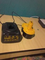Carregador Dewalt e Bateria