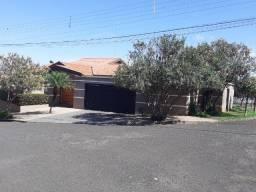 Vendo casa no bairro Nova Ourinhos, Ourinhos-SP