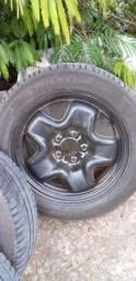 Rodas de ferro da Renegade aro 16 com pneus michelan