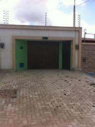 Excelente Casa Plana em Maranguape com 02 qtos, churrasqueira, chuveirão e cerca elétrica