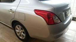 Nissan Versa 1.6 2012-2013 Prata completo 50.000 km rodado - 2012
