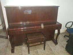 Piano Fritz Dobert