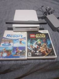 Nintendo Wii com 2 jogos originais também joga pelo pen drive