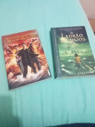 2 primeiros livros da coleção percy Jacson