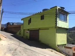 Casa no retiro Petrópolis